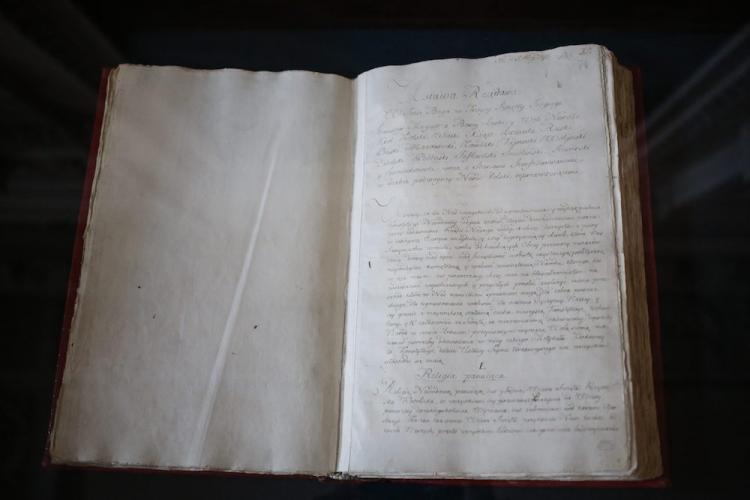 Oryginalny rękopis Konstytucji 3 Maja. Fot. PAP/L. Szymański z portalu dzieje.pl